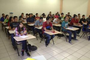 Alumnos-de-nuevoingreso-durante-sus-clases-(2)