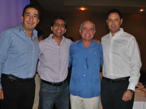 Kiko-Munro-acompañado-de-Oscar-Espinoza,-Presidente-de-la-Consultoría-Contorno,-Marco-Flores,-Diputado-Local-y-Felipe-Ramírez,-Administrador-del-Grupo-Vidanta