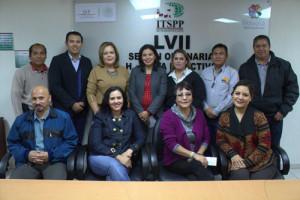 Los-docentes-beneficiados-acompañados-de-la-Directora-General-del-ITSPP