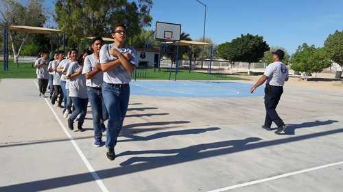Capacita grupo DARE a patrulla juvenil