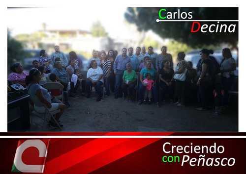 Carlos Decina y el equipo de Creciendo Con Peñasco se reúne con familias de la colonia Termo