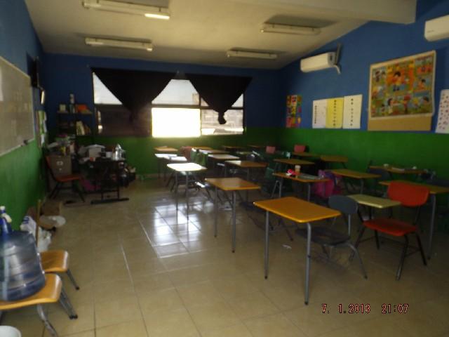 Niños sufren afectaciones por falta de luz en escuela primaria nueva creación del san Rafael