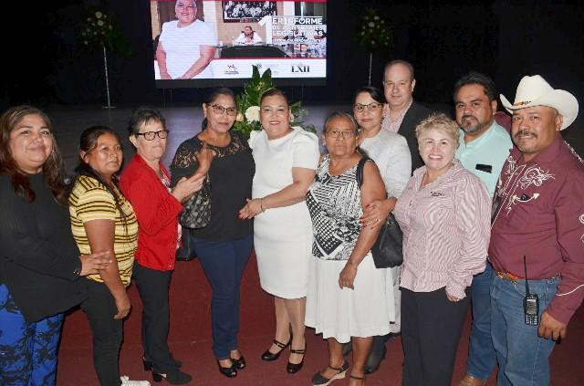 Presenta diputada Leticia Calderón, primer informe legislativo en Nogales