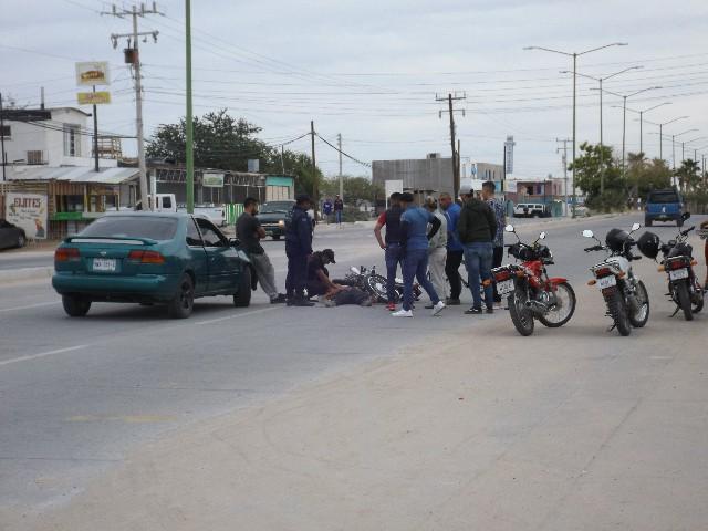 Choca carro con moto deja una persona lesionada por el Samuel Ocaña