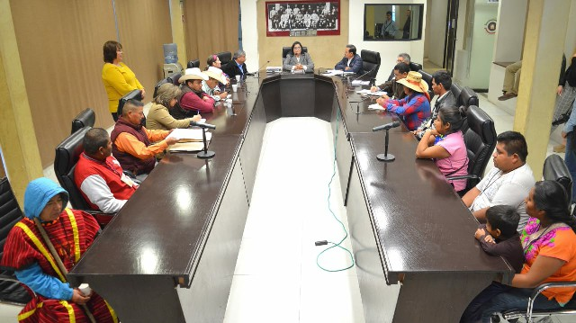 Atienden diputados del PES a representantes étnicos en el Poder Legislativo Estatal