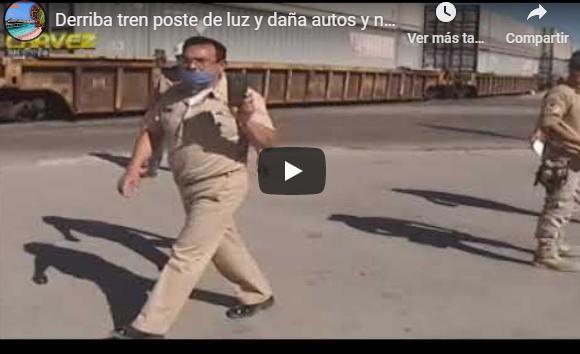 Derriba tren poste de luz y daña autos y negocios Puerto Peñasco