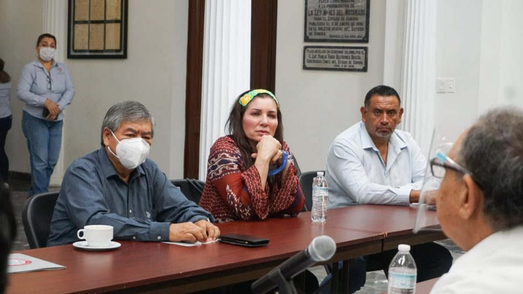 Se reúnen diputados del PES con notarios públicos de Sonora